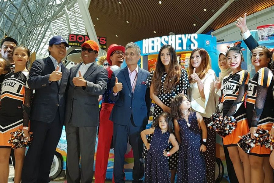 World's First Hershey's Flotilla Buggy Lands at Klia
